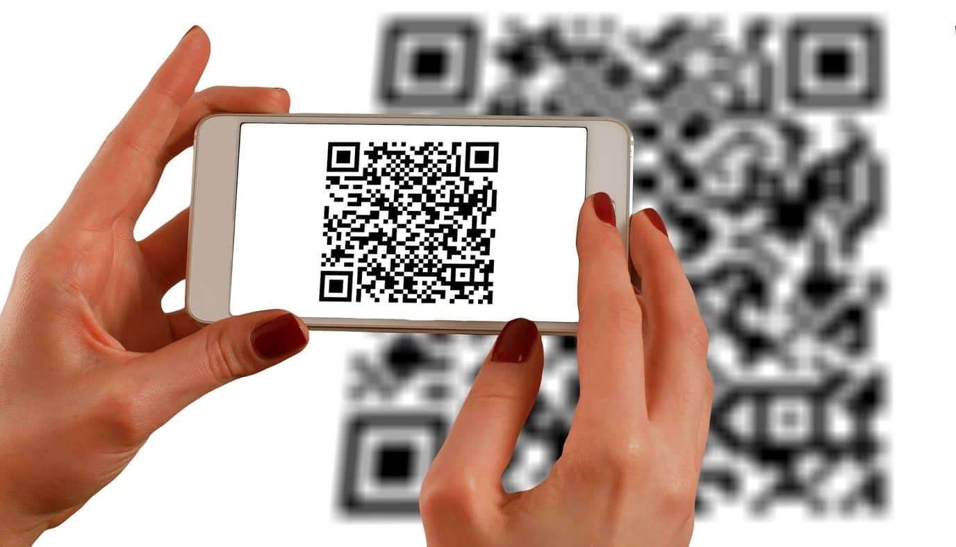 content/en-in/images/repository/isc/2020/9910/a-guide-to-qr-codes-and-how-to-scan-qr-codes-1.jpg