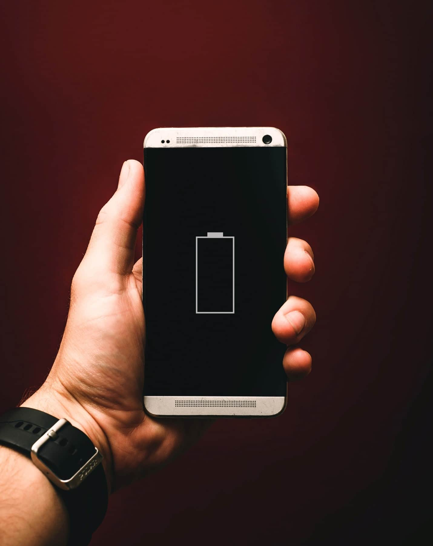 content/en-in/images/repository/isc/2020/9910/prolong-your-smartphone-battery-lifespan-1.jpg